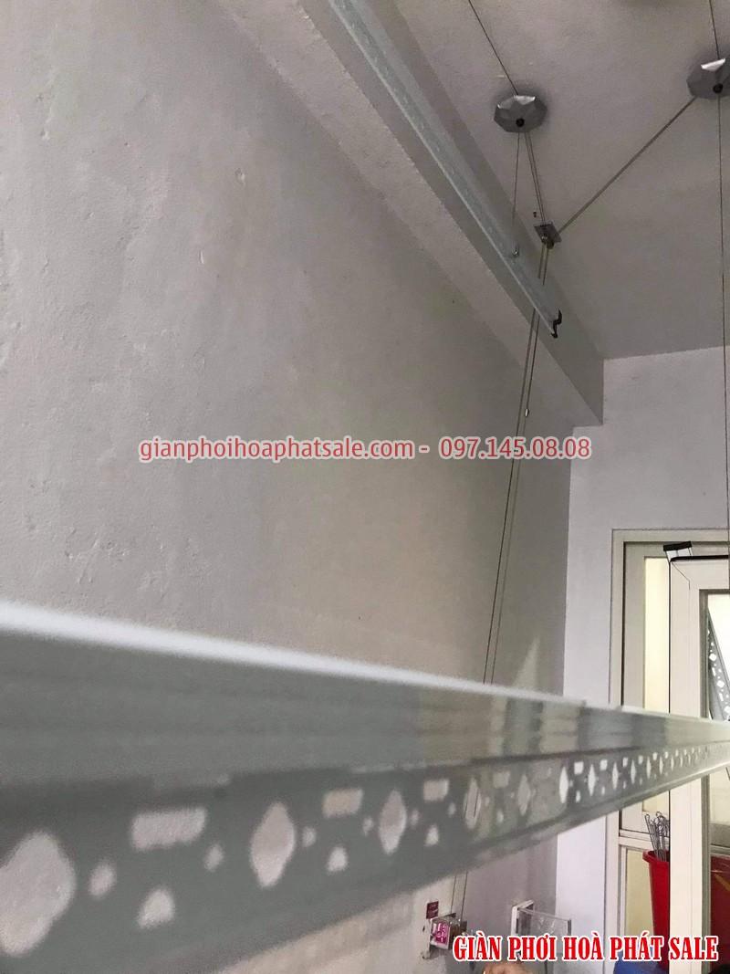 Hình ảnh lắp giàn phơi Hòa Phát HP999B tại chung cư Ecohomes Phúc Lợi nhà anh Hùng - 01