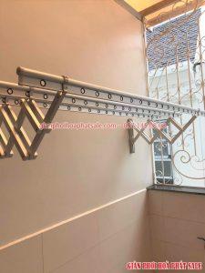 Cách dùng dễ dàng: kéo ra khi cần phơi đồ và đẩy gọn vào tường khi không sử dụng
