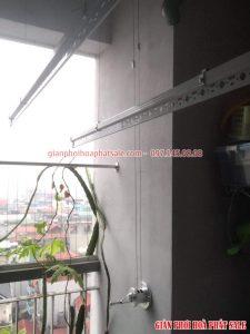 Lắp giàn phơi Hòa Phát tại Long Biên nhà chị Thương, số 5 Hoàng Như Tiếp - 01
