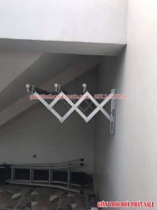 Hình ảnh giàn phơi thông minh gắn tường kéo ngang lắp tại Long Biên nhà anh Hiếu - 04