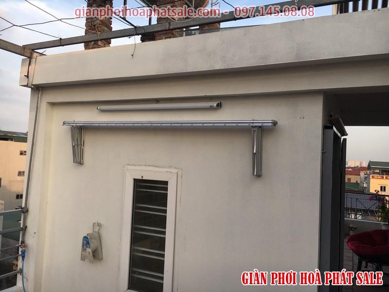 Thanh phơi được xếp gọn vào tường vô cùng gọn gàng