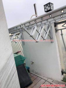 Lắp giàn phơi gắn tường tại Royal City nhà chị My, tòa R1A - 01