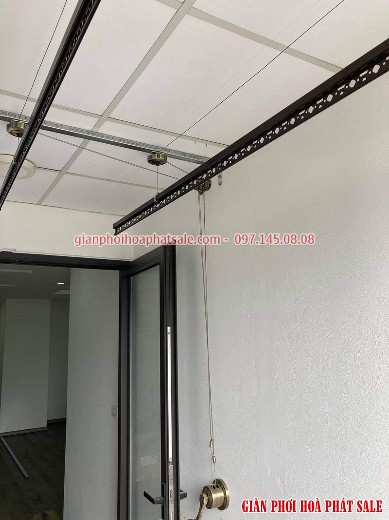 Lắp giàn phơi thông minh Long Biên tại chung cư Ruby 2 bộ Hòa Phát HP300 - 02