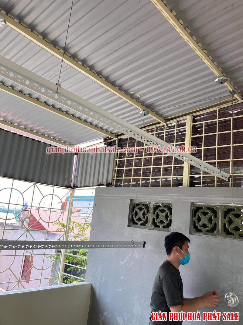 Lắp giàn phơi thông minh Hà Đông tại sân phơi mái tôn nhà anh Tiến - 02